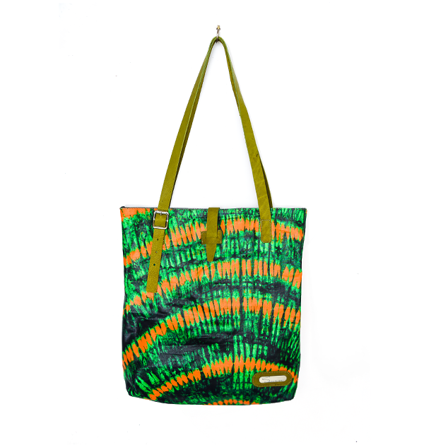 CITY TOTE. PRINT. GREEN TYE-DYE